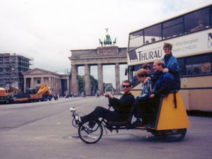 RIKSHAW_BIKE_BRANDERBURG_GATE_BERLIN_1997